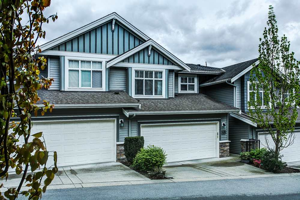 "Main Photo: 48 11282 COTTONWOOD Drive in Maple Ridge: Cottonwood MR Townhouse for sale in ""The Meadows at Vergin's Ridge"" : MLS® # R2057366"