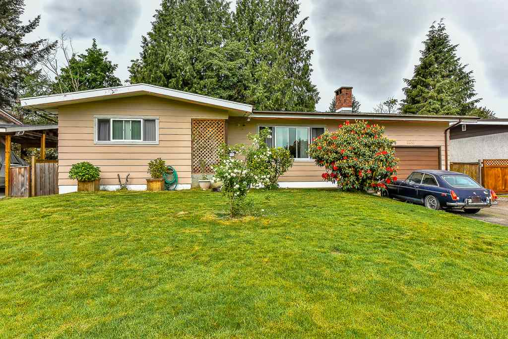 "Main Photo: 2041 VINEWOOD Street in Abbotsford: Central Abbotsford House for sale in ""Central Abbotsford"" : MLS® # R2065970"
