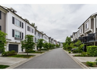 "Main Photo: 89 3010 RIVERBEND Drive in Coquitlam: Coquitlam East Townhouse for sale in ""Westwood"" : MLS®# R2071386"