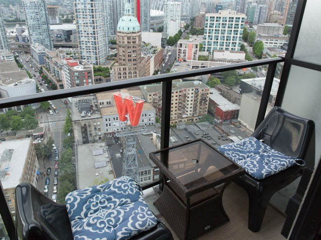 "Photo 11: 2804 108 W CORDOVA Street in Vancouver: Downtown VW Condo for sale in ""WOODWARDS"" (Vancouver West)  : MLS(r) # R2077577"