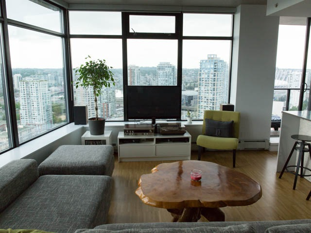 "Photo 2: 2804 108 W CORDOVA Street in Vancouver: Downtown VW Condo for sale in ""WOODWARDS"" (Vancouver West)  : MLS(r) # R2077577"