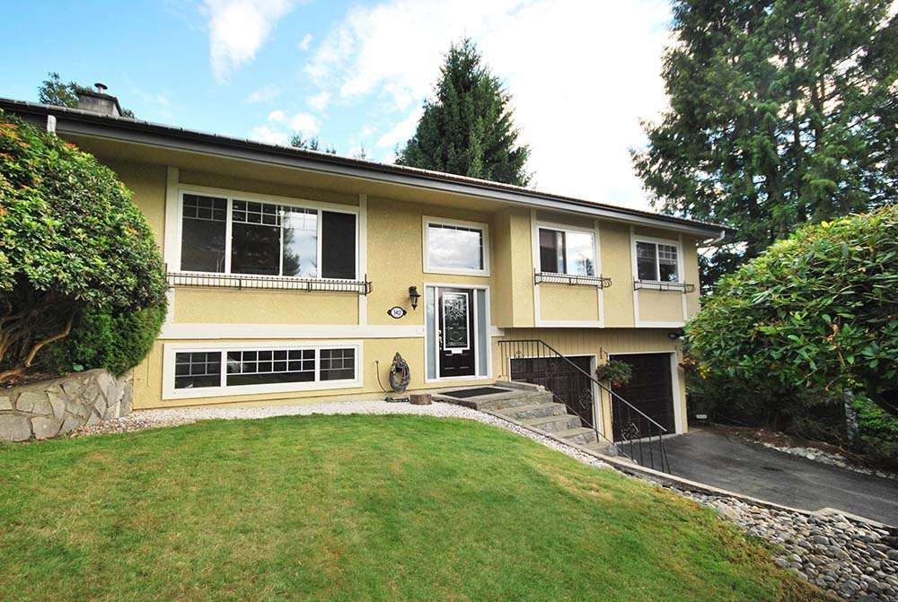 Main Photo: 5412 HEATHDALE Court in Burnaby: Parkcrest House for sale (Burnaby North)  : MLS® # R2089724