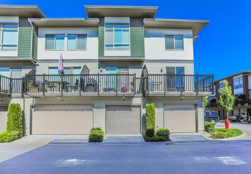 "Main Photo: 83 8473 163RD Street in Surrey: Fleetwood Tynehead Townhouse for sale in ""rockwoods"" : MLS(r) # R2180305"