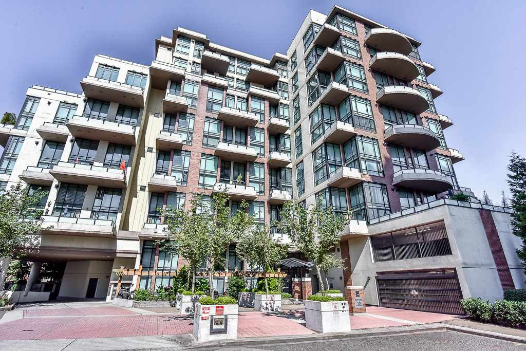 "Main Photo: 109 10 RENAISSANCE Square in New Westminster: Quay Condo for sale in ""MURANO LOFTS"" : MLS® # R2185588"
