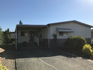"Main Photo: 7 8670 156 Street in Surrey: Fleetwood Tynehead Manufactured Home for sale in ""West wood Estates"" : MLS(r) # R2185597"