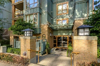 "Main Photo: 102 285 NEWPORT Drive in Port Moody: North Shore Pt Moody Condo for sale in ""THE BELCARRA"" : MLS(r) # R2190013"
