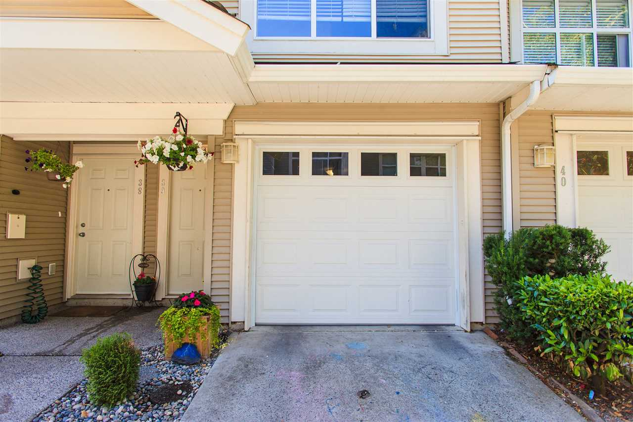 "Main Photo: 39 6450 199 Street in Langley: Willoughby Heights Townhouse for sale in ""Logans Landing"" : MLS(r) # R2185521"