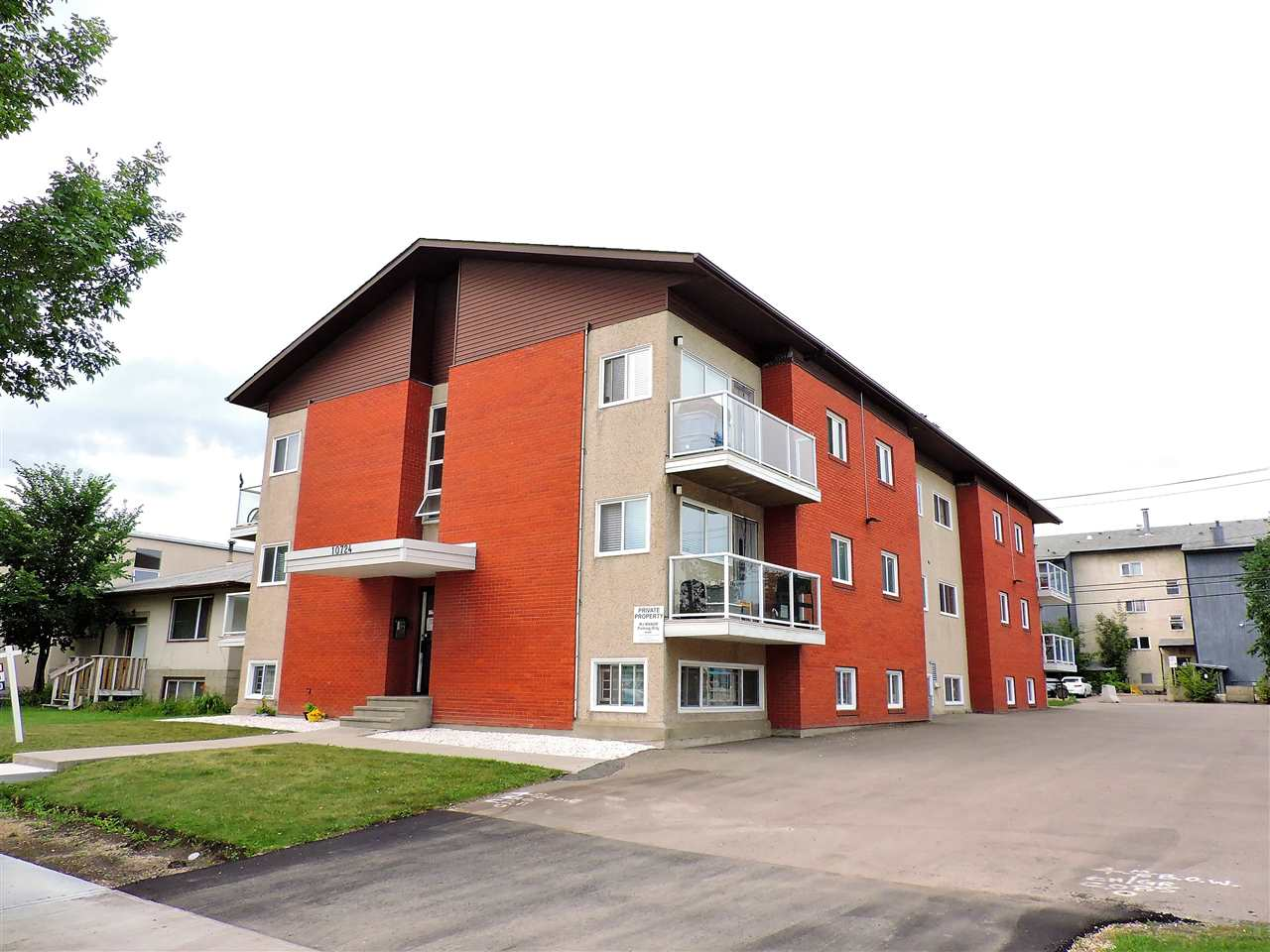 Main Photo: 3 10724 115 Street in Edmonton: Zone 08 Condo for sale : MLS® # E4077157