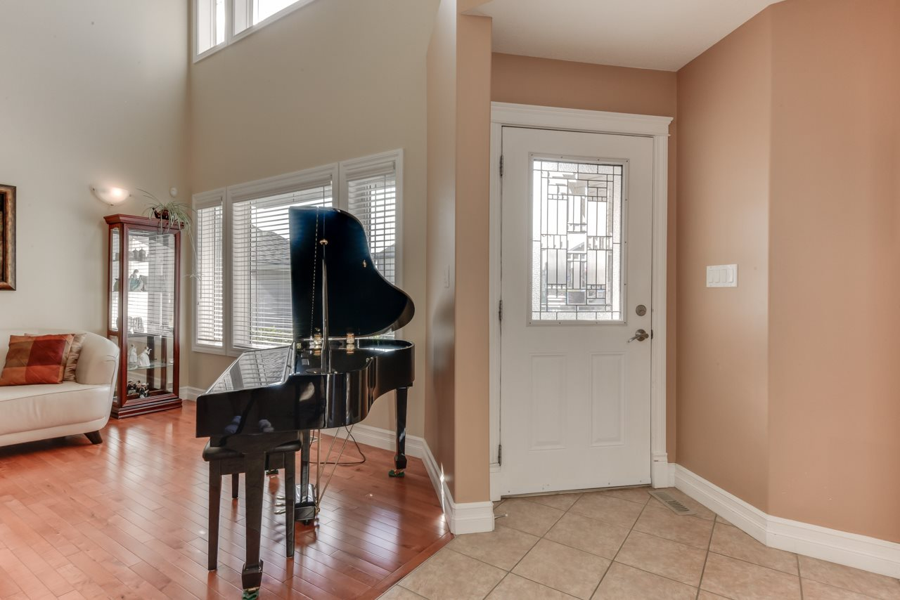 Photo 2: 1685 HECTOR Road in Edmonton: Zone 14 House for sale : MLS® # E4081021