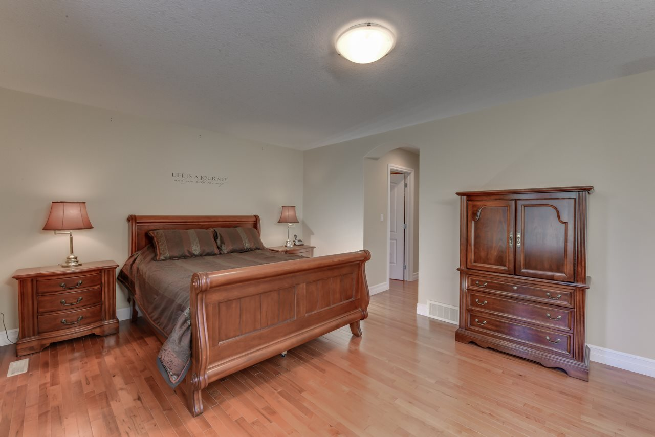 Photo 20: 1685 HECTOR Road in Edmonton: Zone 14 House for sale : MLS® # E4081021