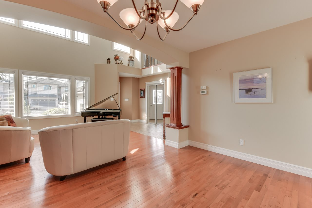 Photo 9: 1685 HECTOR Road in Edmonton: Zone 14 House for sale : MLS® # E4081021