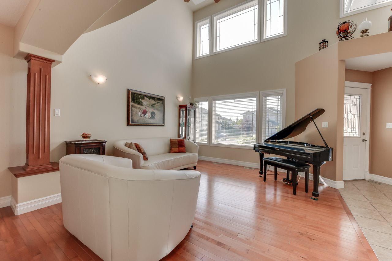 Photo 5: 1685 HECTOR Road in Edmonton: Zone 14 House for sale : MLS® # E4081021