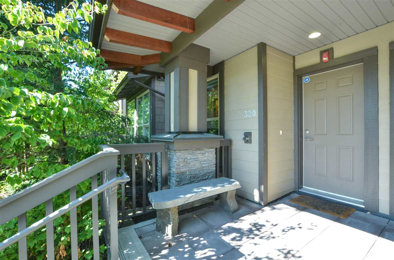 Photo 2: Photos: 320 E 14TH Street in North Vancouver: Central Lonsdale Townhouse for sale : MLS® # R2204475