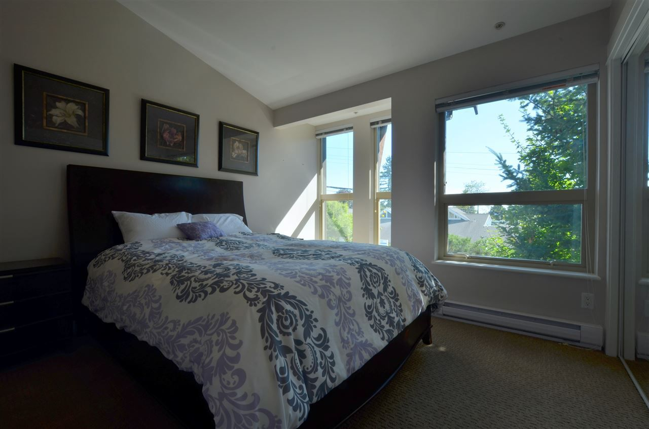 Photo 10: Photos: 320 E 14TH Street in North Vancouver: Central Lonsdale Townhouse for sale : MLS® # R2204475