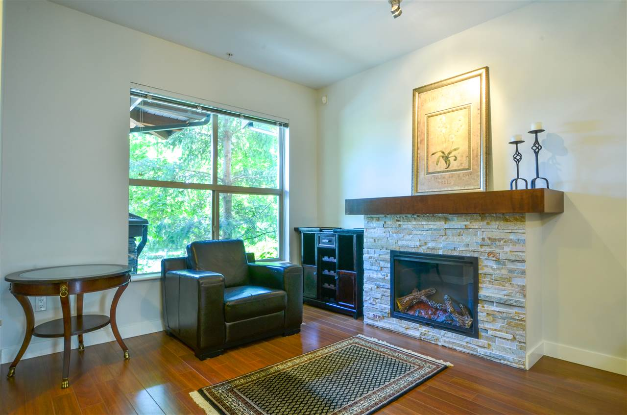 Photo 9: Photos: 320 E 14TH Street in North Vancouver: Central Lonsdale Townhouse for sale : MLS® # R2204475