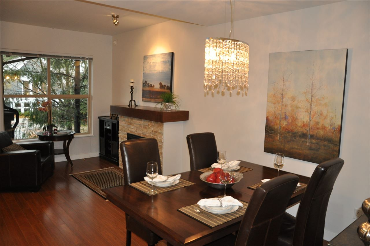 Photo 7: Photos: 320 E 14TH Street in North Vancouver: Central Lonsdale Townhouse for sale : MLS® # R2204475