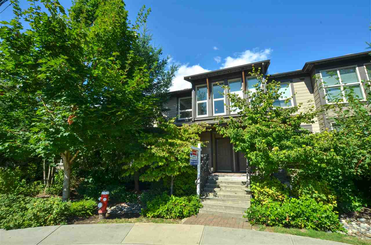 Photo 1: Photos: 320 E 14TH Street in North Vancouver: Central Lonsdale Townhouse for sale : MLS® # R2204475