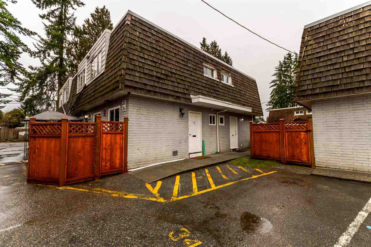 "Main Photo: 33 21555 DEWDNEY TRUNK Road in Maple Ridge: West Central Townhouse for sale in ""RICHMOND COURT"" : MLS® # R2231663"