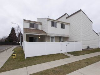 Main Photo: 41 WOODVALE Village in Edmonton: Zone 29 Townhouse for sale : MLS®# E4102413
