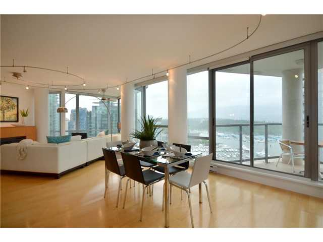 Photo 2: 2202 1228 W HASTINGS Street in Vancouver: Coal Harbour Condo for sale (Vancouver West)  : MLS(r) # V955427