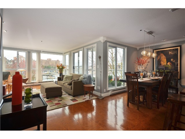 Photo 2: 307 1502 Island Park Walk in Vancouver: False Creek Condo for sale (Vancouver West)  : MLS® # v997121