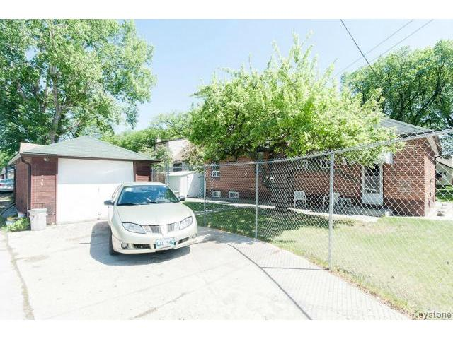 Photo 19: 736 Clifton Street in WINNIPEG: West End / Wolseley Residential for sale (West Winnipeg)  : MLS® # 1412953