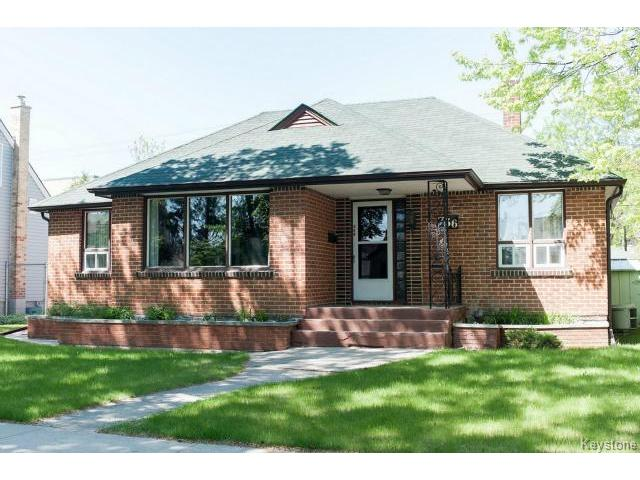 Main Photo: 736 Clifton Street in WINNIPEG: West End / Wolseley Residential for sale (West Winnipeg)  : MLS® # 1412953