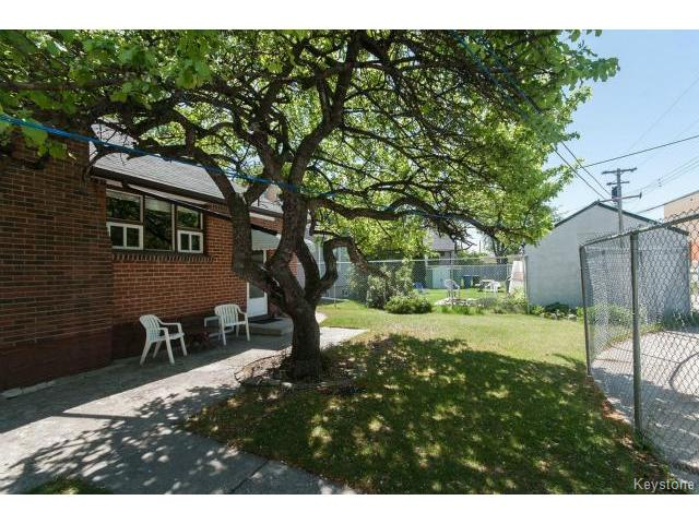 Photo 17: 736 Clifton Street in WINNIPEG: West End / Wolseley Residential for sale (West Winnipeg)  : MLS® # 1412953