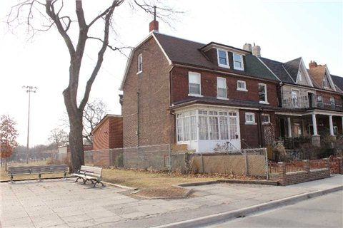Photo 12: 148 Gore Vale Avenue in Toronto: Trinity-Bellwoods House (2 1/2 Storey) for sale (Toronto C01)  : MLS® # C3162239