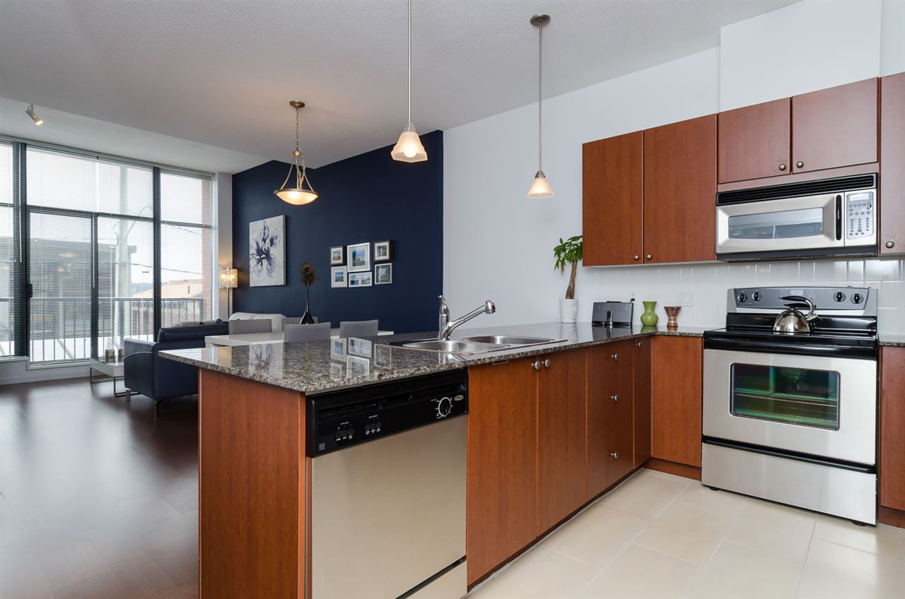 "Photo 2: 102 610 VICTORIA Street in NEW WEST: Downtown NW Condo for sale in ""THE POINT"" (New Westminster)  : MLS(r) # R2003966"