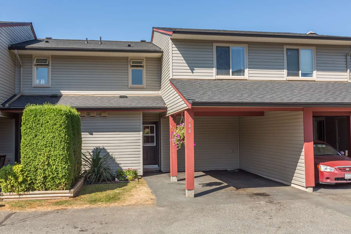 "Main Photo: 144 27456 32 Avenue in Langley: Aldergrove Langley Townhouse for sale in ""Cedar Park Estates"" : MLS® # R2102439"