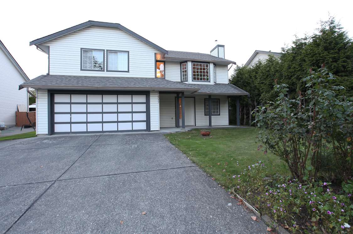 Main Photo: 6027 190 Street in Surrey: Cloverdale BC House for sale (Cloverdale)  : MLS® # R2115272