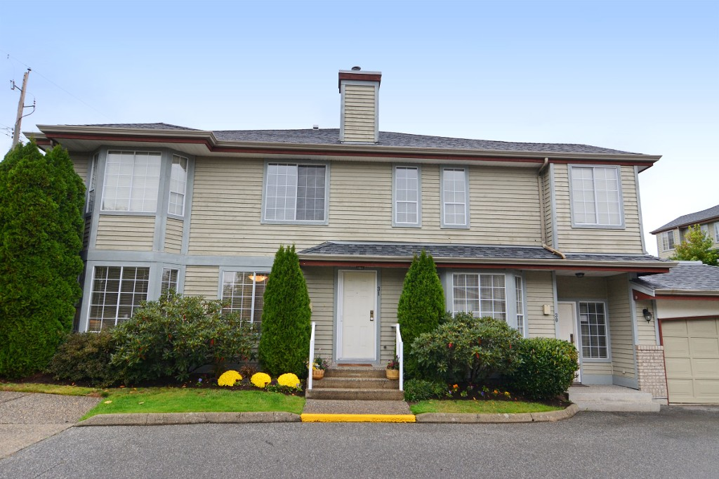 "Main Photo: 31 11502 BURNETT Street in Maple Ridge: East Central Townhouse for sale in ""TELOSKY VILLAGE"" : MLS(r) # R2117285"