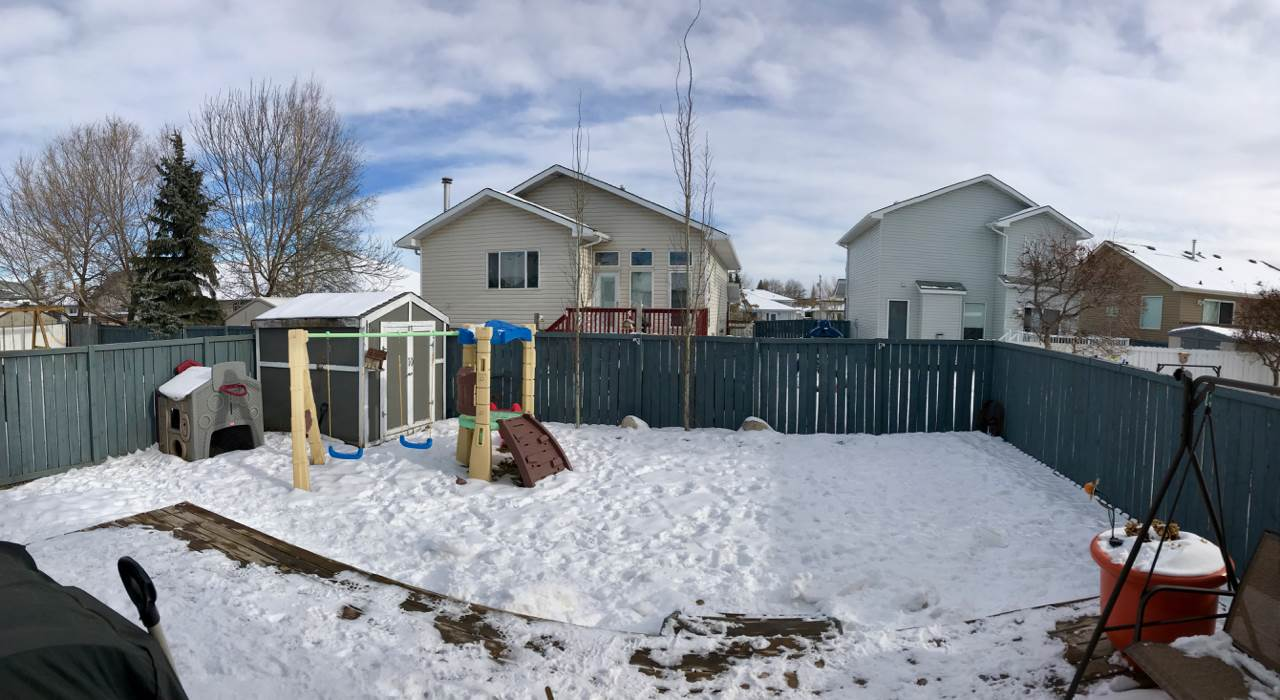 Photo 2: 10013 107 Street: Morinville House for sale : MLS(r) # E4049192