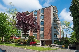 "Main Photo: 104 5350 BALSAM Street in Vancouver: Kerrisdale Condo for sale in ""BALSAM HOUSE"" (Vancouver West)  : MLS(r) # R2149238"