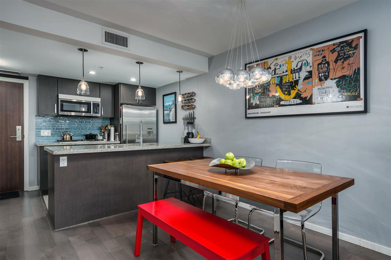 "Main Photo: 204 89 W 2ND Avenue in Vancouver: False Creek Condo for sale in ""PINNACLE LIVING FALSE CREEK"" (Vancouver West)  : MLS(r) # R2155980"