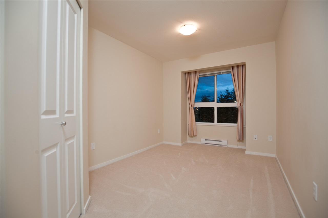 "Photo 9: 305 1330 GENEST Way in Coquitlam: Westwood Plateau Condo for sale in ""THE LATNERNS"" : MLS® # R2156397"