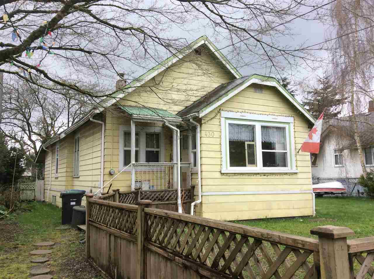 Main Photo: 430 ALBERTA Street in New Westminster: The Heights NW House for sale : MLS(r) # R2156703