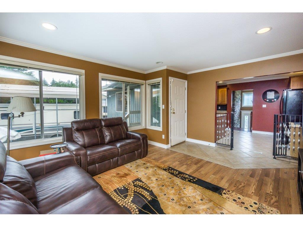 "Photo 10: 33464 CONWAY Place in Abbotsford: Central Abbotsford House for sale in ""CENTRAL ABBOTSFORD"" : MLS® # R2170228"