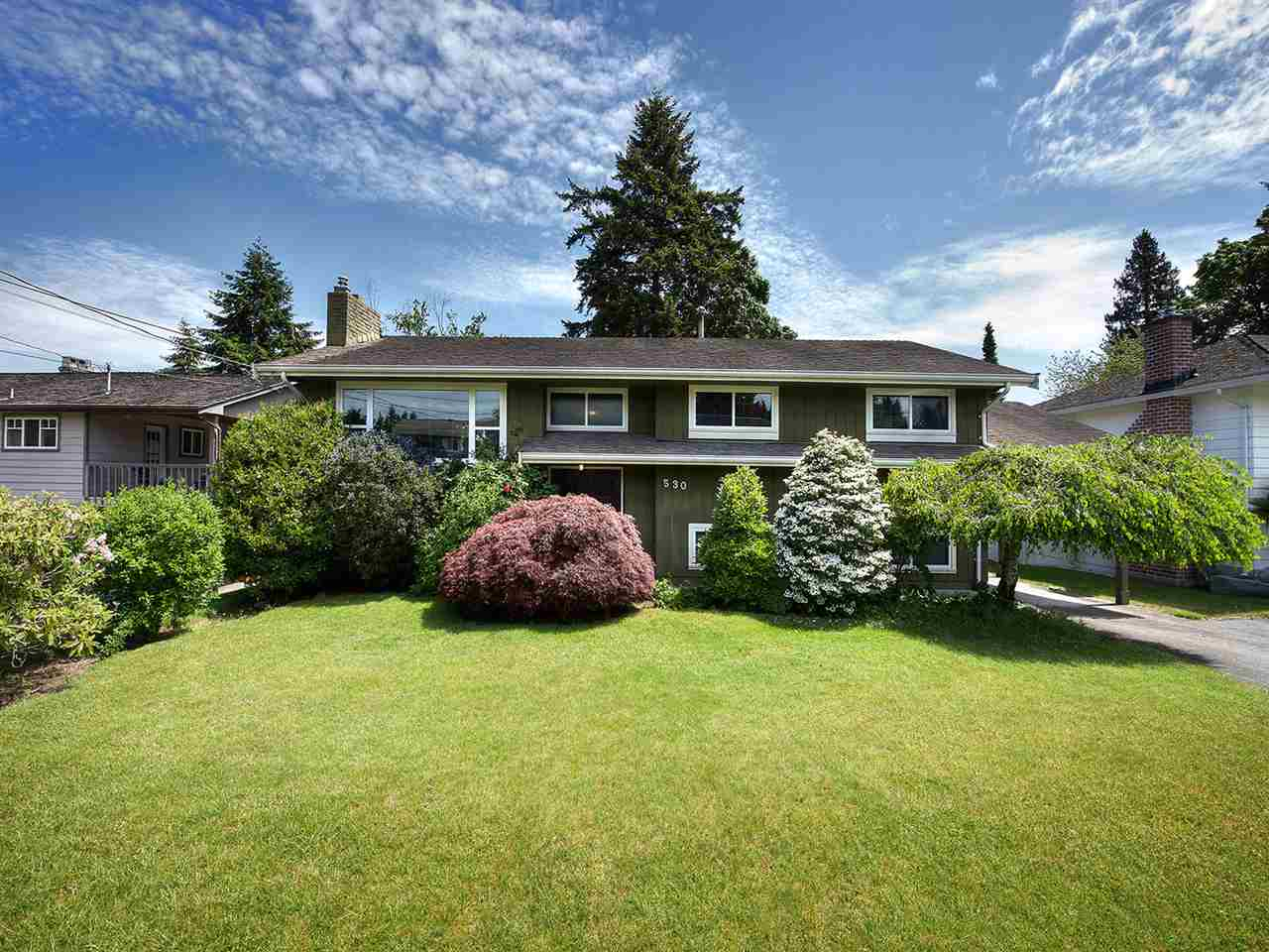 Main Photo: 530 55 Street in Delta: Pebble Hill House for sale (Tsawwassen)  : MLS(r) # R2172625