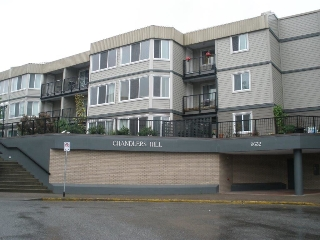 "Main Photo: 102 9632 120A Street in Surrey: Cedar Hills Condo for sale in ""CHANDLER'S HILL"" (North Surrey)  : MLS(r) # R2173248"