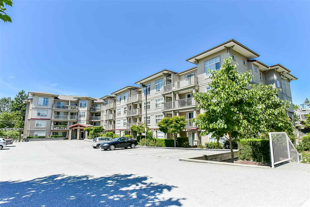 "Main Photo: 305 2515 PARK Drive in Abbotsford: Abbotsford East Condo for sale in ""VIVA ON PARK"" : MLS(r) # R2173502"