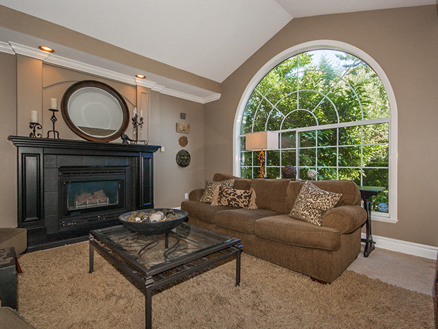 Photo 2: 13136 20 Ave in South Surrey White Rock: Home for sale : MLS® # F1317023