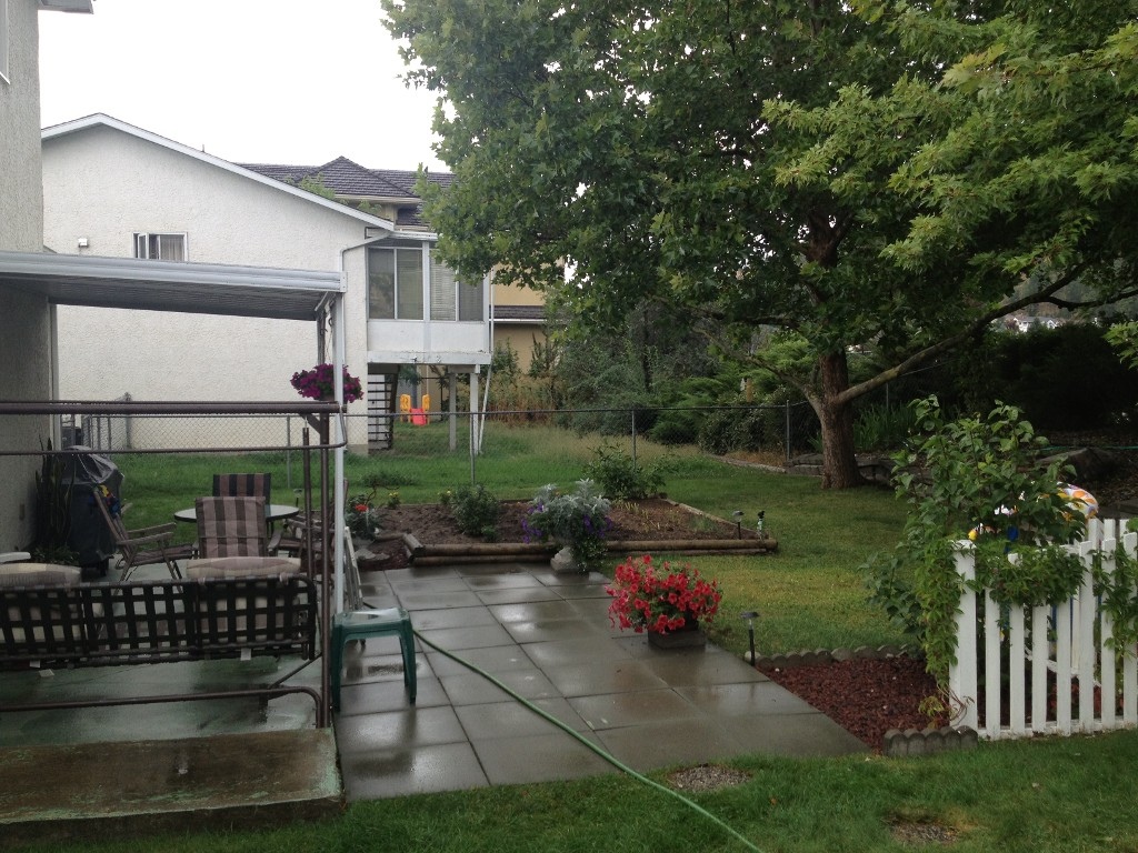 Photo 7: 382 Whitman Road in Kelowna: North Glenmore House for sale (Central Okanagan)  : MLS(r) # 10070502