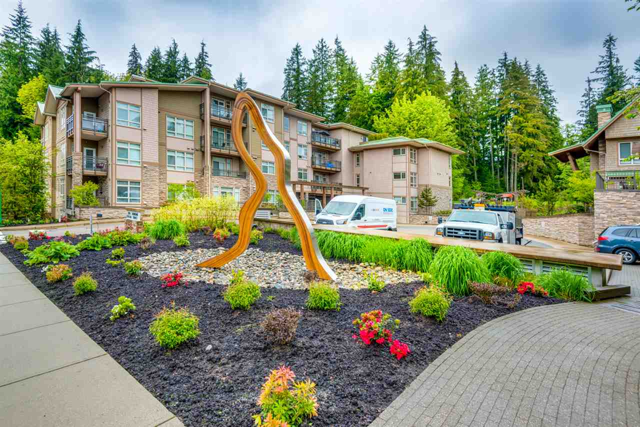 Main Photo: 108 3294 MT SEYMOUR Parkway in North Vancouver: Northlands Condo for sale : MLS(r) # R2178823