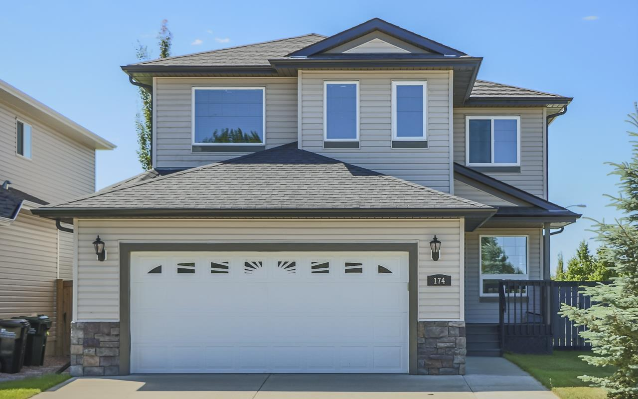 Main Photo: 174 FOXHAVEN Way: Sherwood Park House for sale : MLS® # E4071937
