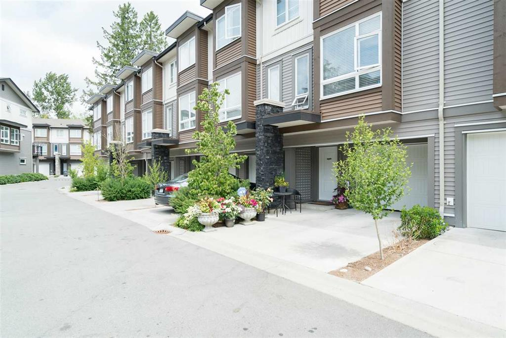Main Photo: 116 5888 144 Street in Surrey: Sullivan Station Townhouse for sale : MLS® # R2189479