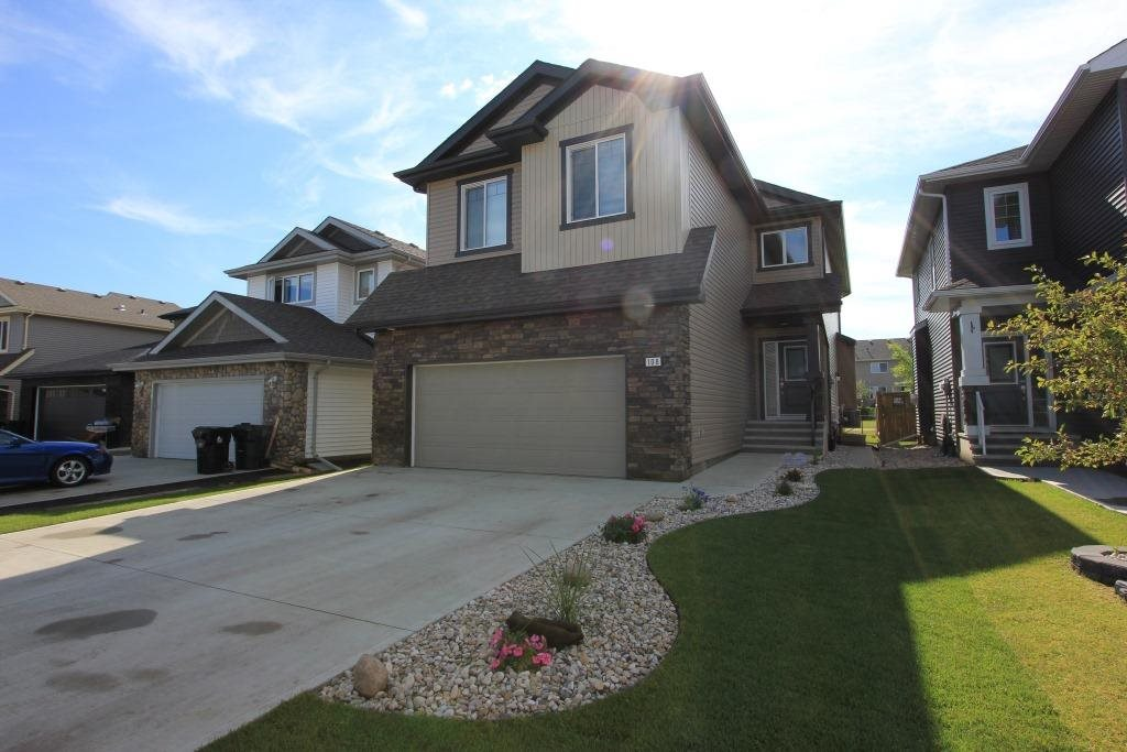 Main Photo: 108 ASPENGLEN Drive: Spruce Grove House for sale : MLS(r) # E4074985