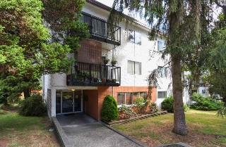 "Main Photo: 63 2002 ST JOHNS Street in Port Moody: Port Moody Centre Condo for sale in ""PORT VILLAGE"" : MLS® # R2197054"