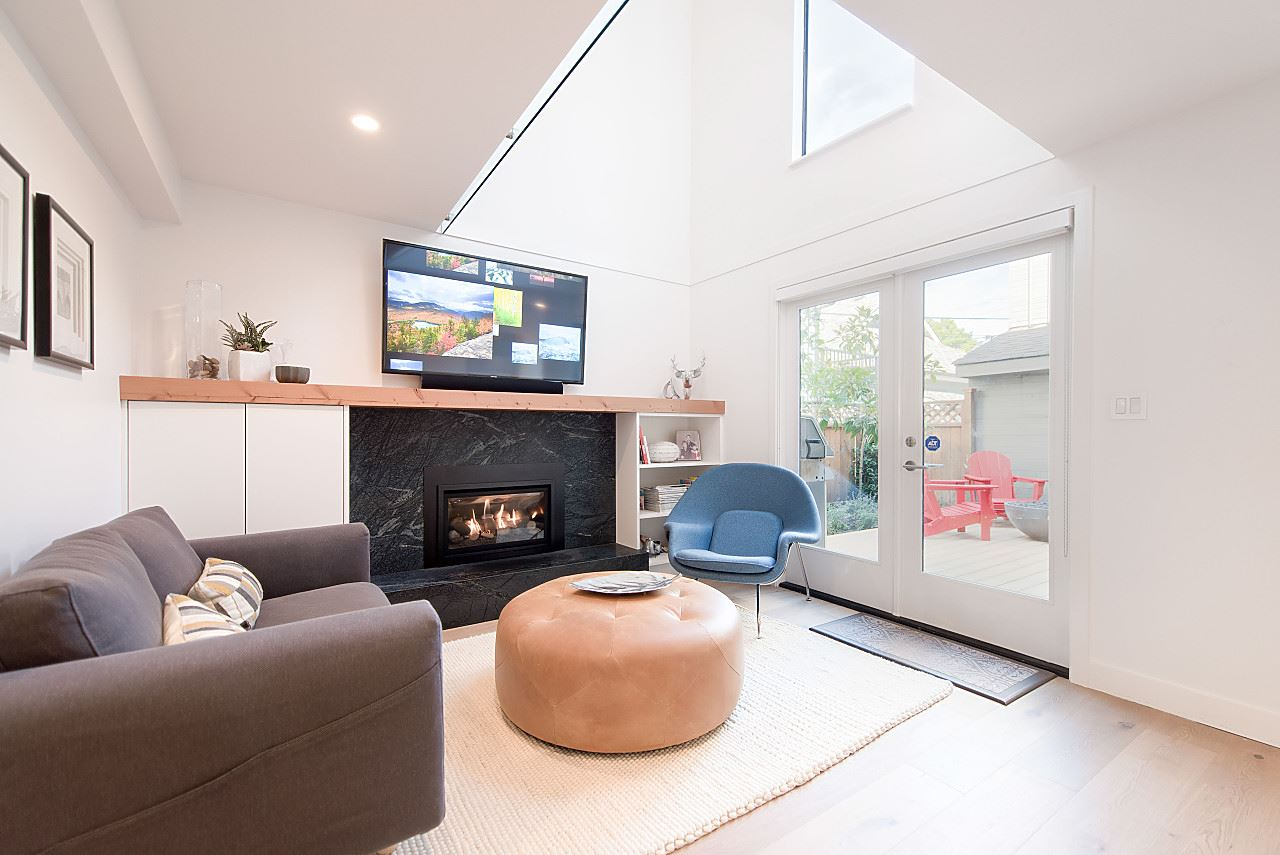 Vaulted Ceilings & Skylights
